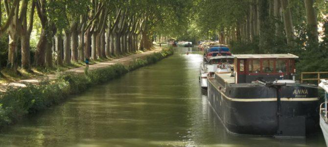 Canal du Midi in camper